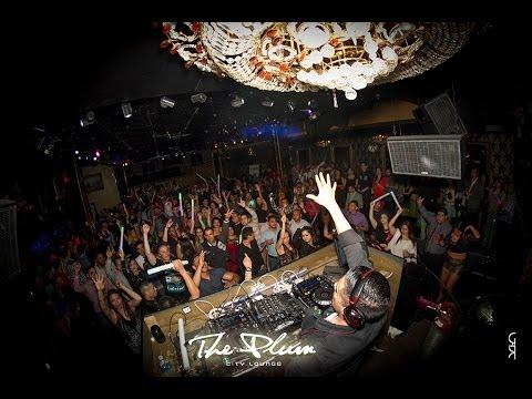 Plum City Lounge - Esteban Carrasco