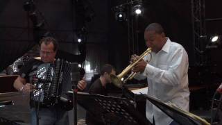 The Wynton Marsalis Quintet & Richard Galliano: From Billie Holiday to Édith Piaf [Live in Marciac]