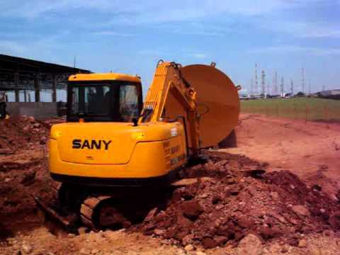 Escavadeira SANY tralhando