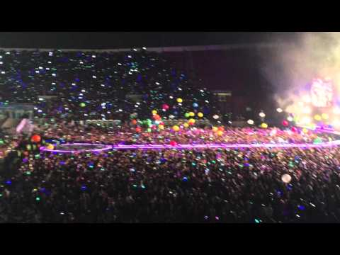 Coldplay - Adventure Of A Lifetime (Live Santiago)