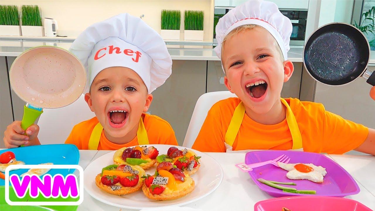 Vlad và Niki làm bữa sáng cho mẹ