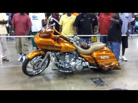 #2 Custom Harley baggers with large wheels...