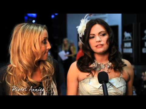 Girls' Night Out - Backstage Interview: Pistol Annies