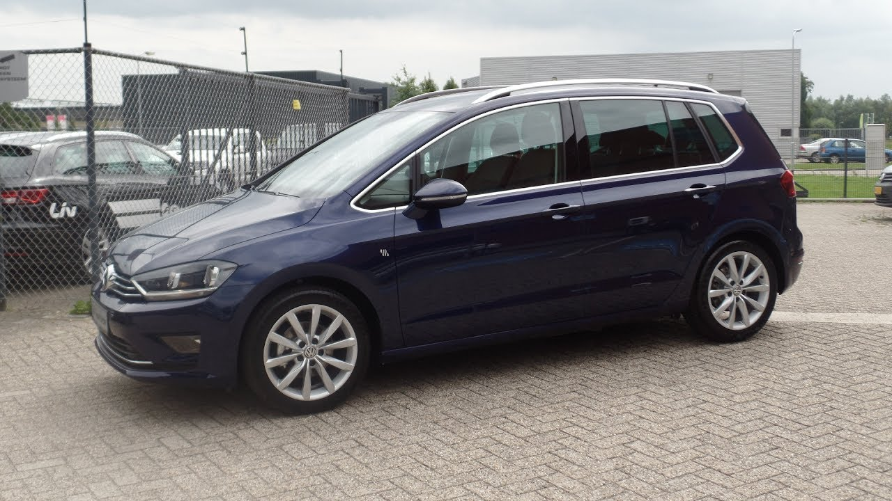 volkswagen sportsvan highline   atlantic blue