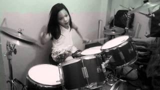 6 yr old drummer sean antoine playing sweet child of mine