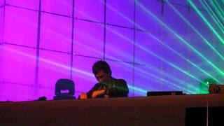 Gambar cover DJ Hardwell @ Fabulous 2009 Den Bosch NL 3/4 playing Praise You (Fedde Le Grand)