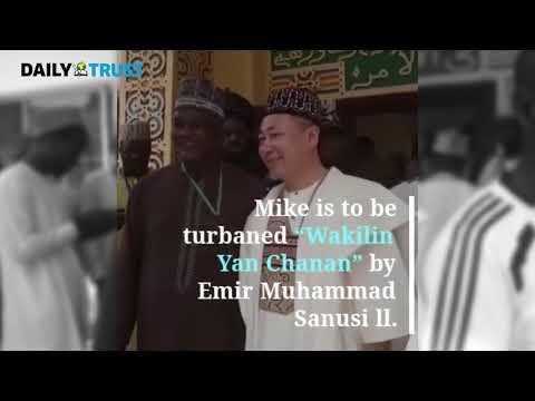 Kano: Emir Sanusi turbans Chinese man