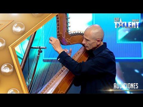 PABLO tocó una BELLA canción con su ARPA PARAGUAYA