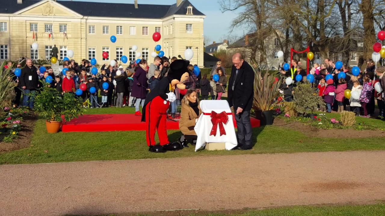 Mickey inaugure le jardin walt disney isigny sur mer for Jardin walt disney