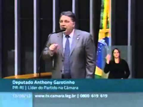 Garotinho responde à Fernanda Torres