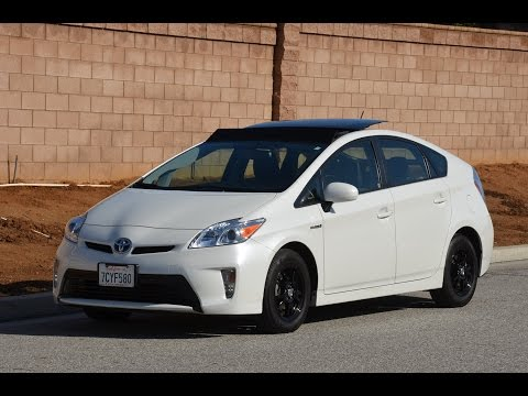 Full Video Tour of this 2014 Prius Package 4 Deluxe Solar Roof