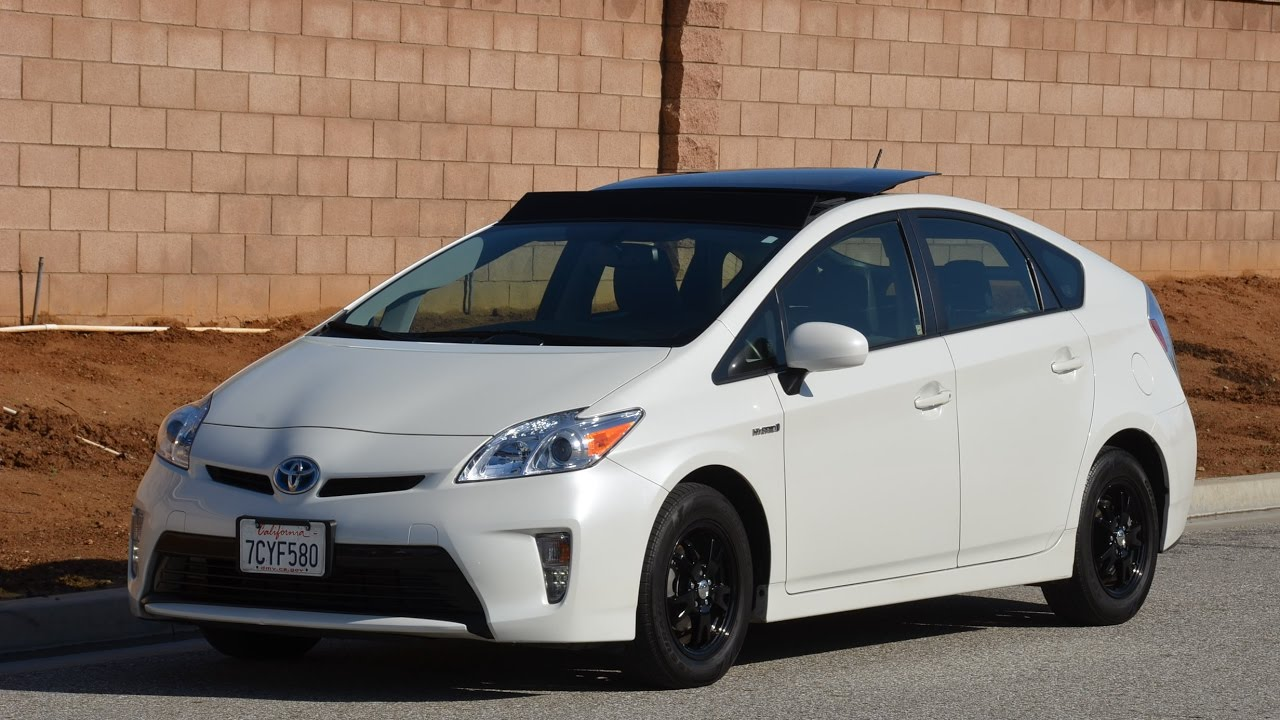 Prius Solar Roof >> Full Video Tour Of This 2014 Prius Package 4 Deluxe Solar Roof