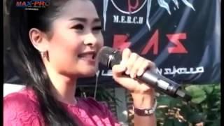 Download Video Mawar Ditangan   Voc  Andin Chelia NEW PALLAPA LIBAS 2016 MP3 3GP MP4