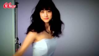 CanCam専属モデル山本美月の、2014年7月号表紙のバックステージをお見せ...