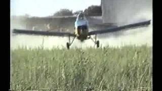 Capitan Juan Gabriel Blanco Vazquez fumigando en avion