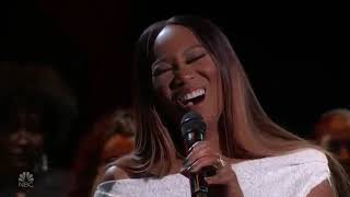 "Yolanda Adams Sings ""He Touched Me"" & ""You'll Never Walk Alone"""
