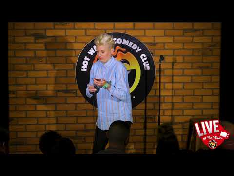 Harriet Dyer  LIVE at Hot Water Comedy Club