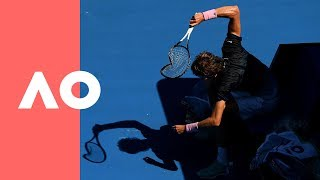Zverev completely destroys racquet during Raonic 4R match | Australian Open 2019