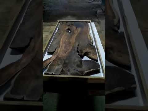 Meja resin kayu sonokeling