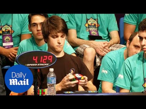 Aussie teen takes out Rubik's Cube World Championship - Daily Mail