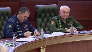Смотреть видео Заседание Коллегии Минобороны России под руководством Сергея Шойгу (20.11.2019) онлайн