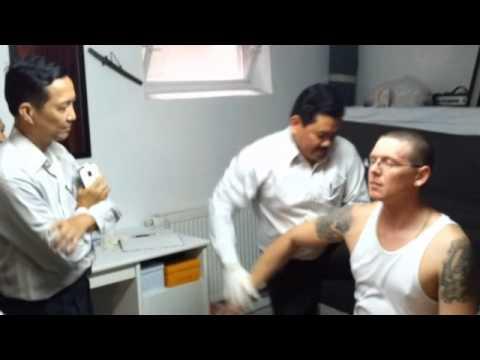 Lương y Võ Hoàng Yên chữa bệnh ở Adendorf - Germany 12/9/2013