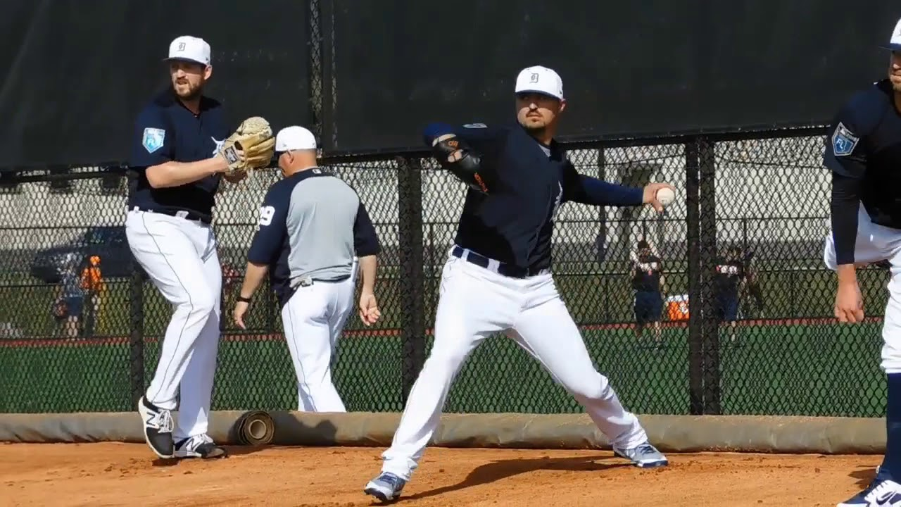 7abb3c1f7817d7 See Shane Greene, Blaine Hardy and other Tigers firing in the bullpen