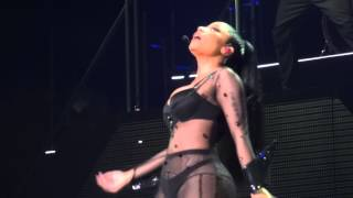 Nicki Minaj - Truffle Butter (Brussels, Belgium - The Pink Print Tour, Palais 12 - HD)