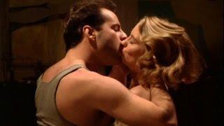 Hot hollywood kissing scenes
