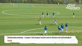fussballtraining 1 gegen 1 mit gegner frontal und schnelligkeit zweikampfschulung taktik
