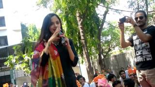 Repeat youtube video Actress Ketaki Mategaonkar in PVG College for 'Phuntroo' promotion
