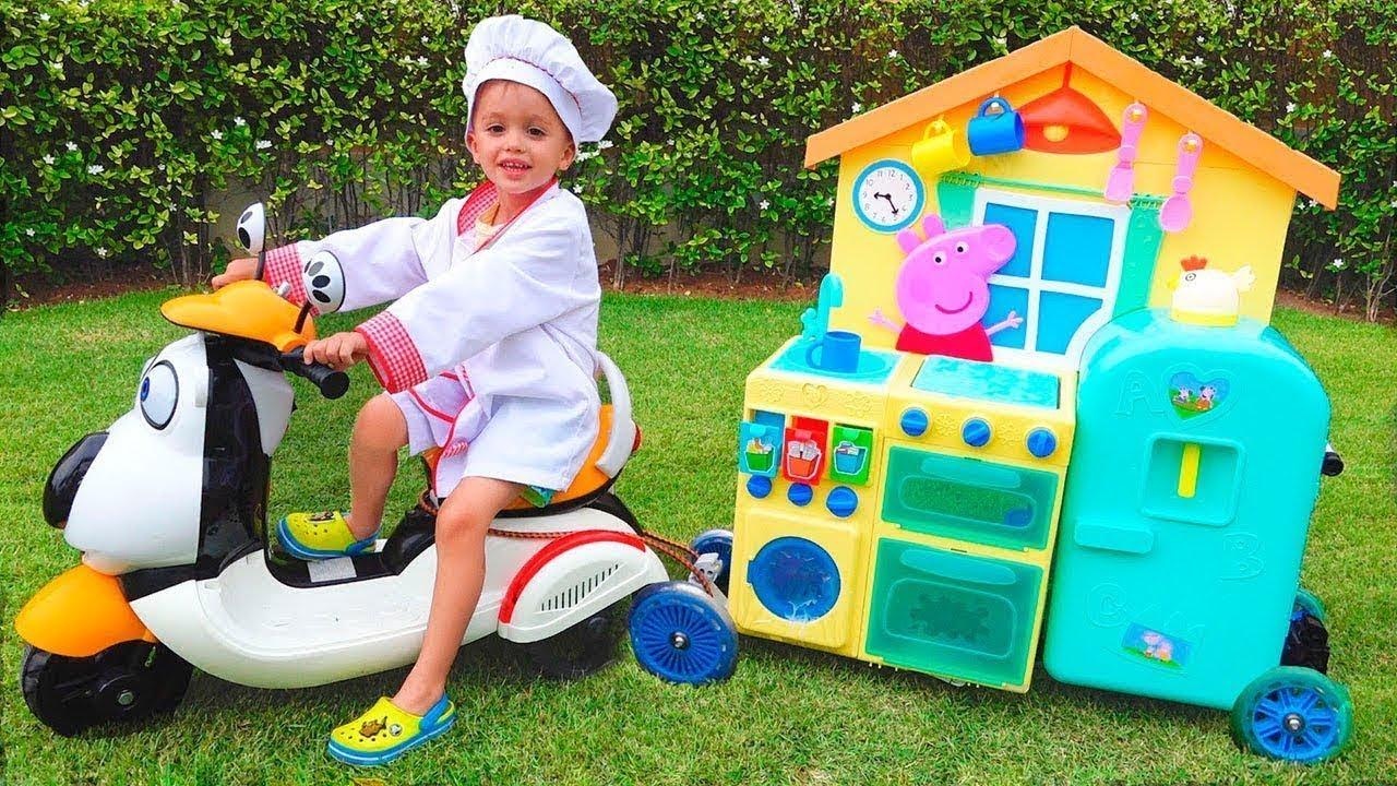 Anak Vlad Berpura Pura Memainkan Toy Cafe On Wheels Youtube
