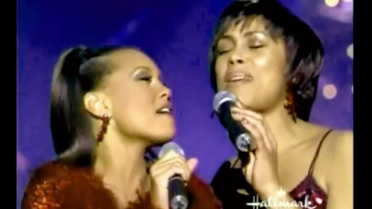 Vanessa Williams in duet - Sleigh Ride (Diva's Christmas Carol ...