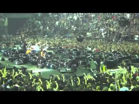 Kirk Hammett Kicks Child in Face