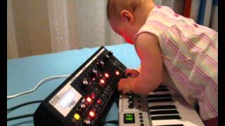 Ameliya (9 months) play on MOOG Slim Phatty