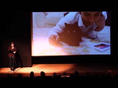 Talking Cat at the Internet Cat Video Festival at NYC インターネットキャットビデオフェスティバルのプレゼン