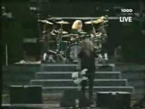 Duff McKagan bass solo [EXCLUSIVE] 5 Live solo