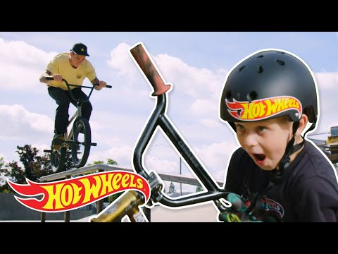 HOT WHEELS SURPRISES KID WITH THIS… | Challengers | Hot Wheels