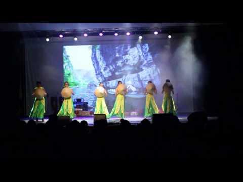 Múa Quê tôi - My country (Thuy Chi) by Vietcharm Dancers