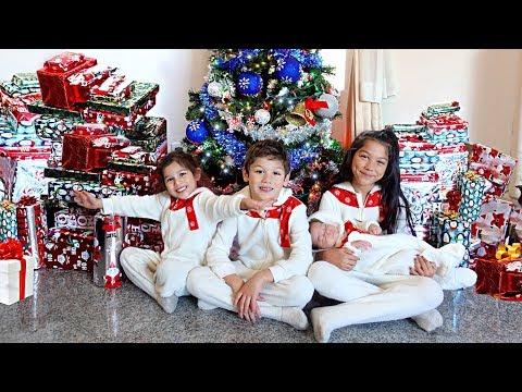 Who Are All These Presents For?!! | Familia Diamond