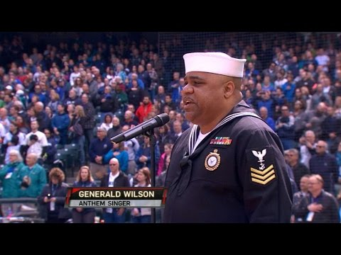HOU@SEA: Navy veteran performs national anthem