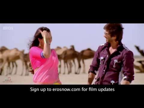 Saree Ke Fall Sa Song ft  Shahid Kapoor &...