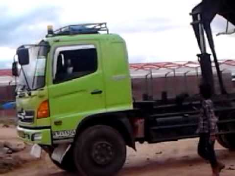 Truk jemping youtube truk jemping altavistaventures Gallery
