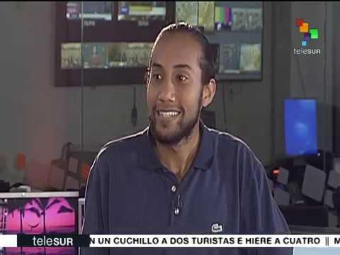 """Entrevistan a quienes colgaron pancarta chavista en Altamira: """"Fue casi una operación militar"""""""