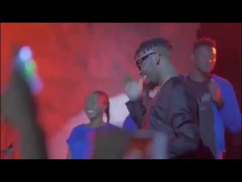 Olamide Surprise Adekunle Gold As He Performs With Him Live On Stage At #AGLIVELAGOS