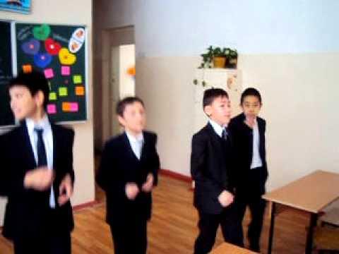 Прикольная репетиция частушек от мальчиков