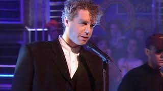 Pet Shop Boys - Left To My Own Devices On Top Of The Pops 01/12/1988