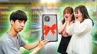 Trai HEAVY Chơi Lớn Mua iPhone 12 Tặng Chị Em Ngày 20.10