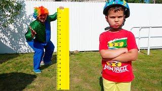 Егорка хочет быть выше и пригать на батуте