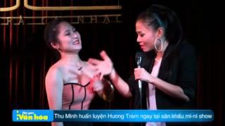 Thu Minh huấn luyện Hương Tràm ngay tại sân khấu mi ni show